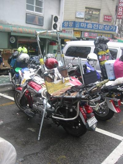 Dong Dae Mun Market Cargocycles 001