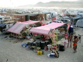 269Px-Hut2006.3