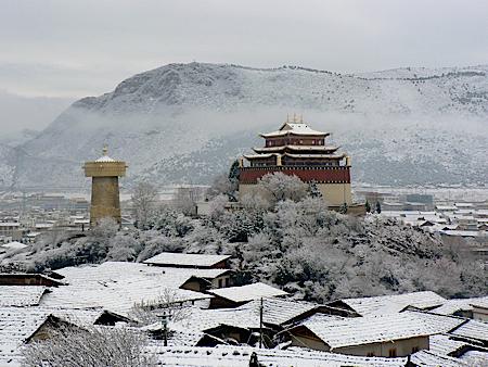 Zhongdian-snow.jpg